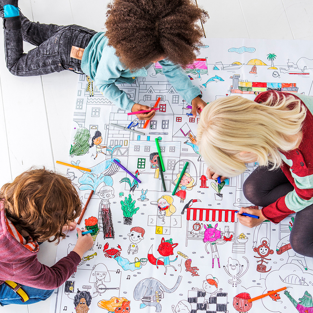 kids giant colouring picture